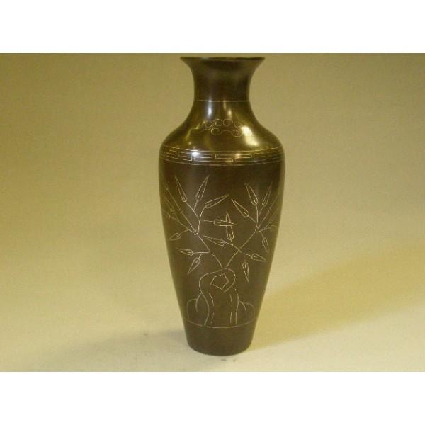 石叟底款铜挫银花瓶一只