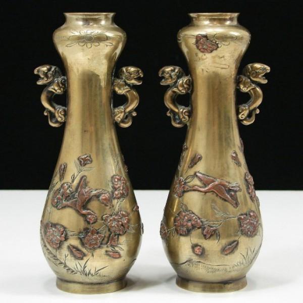 民国浮雕花鸟铜花瓶一对