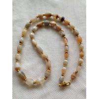 白色缠丝玛瑙项链